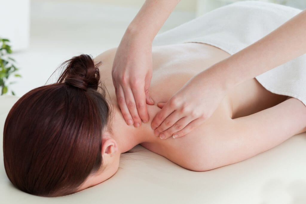 Labrador Chiropractor For Pinched Neck Nerve Pain Relief Near Me